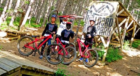 Campamento internacional de bici de descenso en inglés
